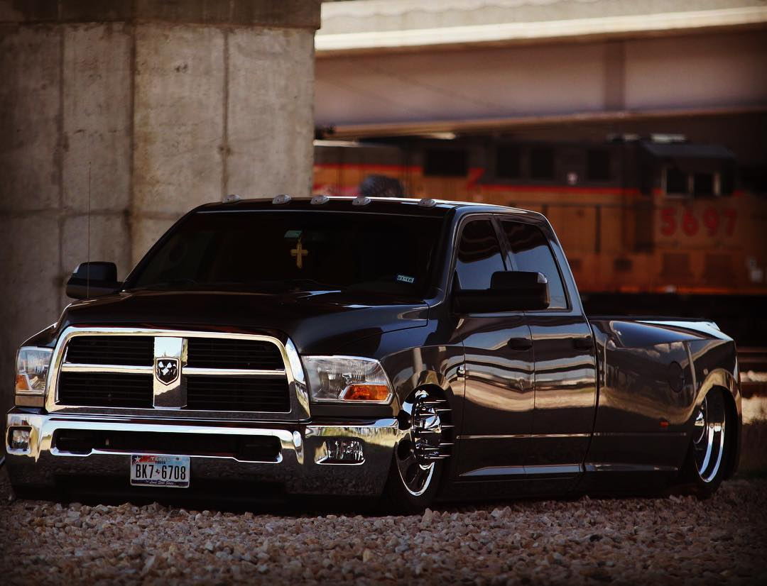Sweet Looking Bagged Dodge Dually Cummins Dodge Cummins Dually Diesel Truckporn Truck Truckdaily Fuel Time